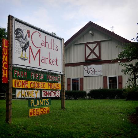 Cahill's Market & Chicken Kitchen Photo