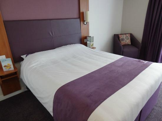 Premier Inn London Stratford Hotel: Bed