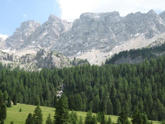 Rifugio Baita alle Cascate: Paesaggio intorno alla baita alle cascate