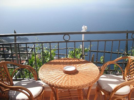 Villa Donna Fausta: chambre vue mer