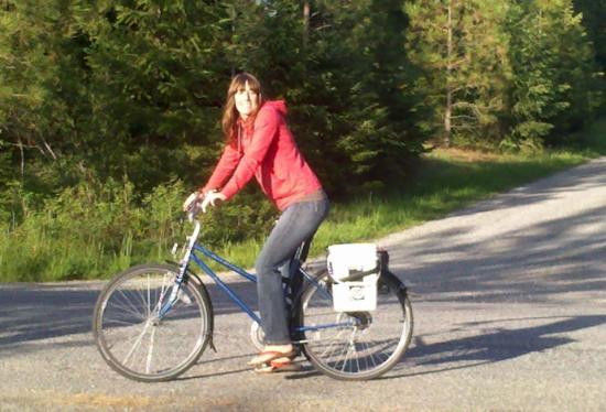 Coeur d'Alene Adventures: Hanna on a bike ride around CDA