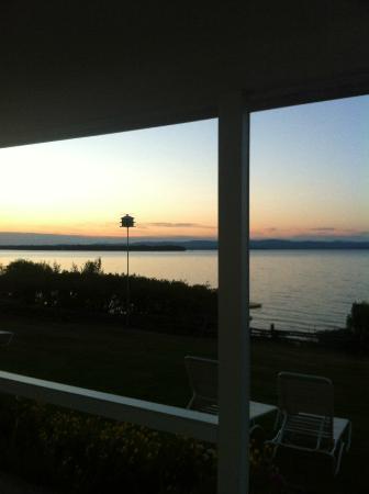 Shore Acres Inn & Restaurant: View from a lakeside room at sunrise