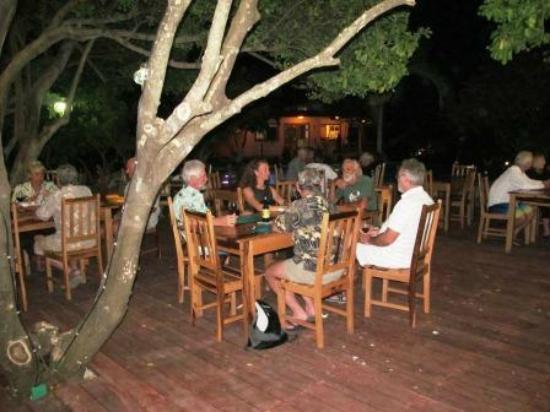 Marina Paraiso: Restaurant Las iguanas with spanish tapas & international specialities
