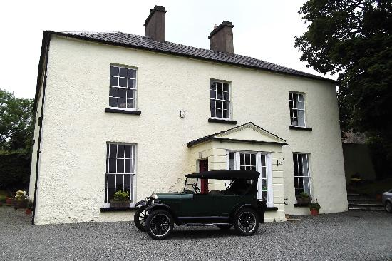 Cookstown, UK : Killycolp House with 1926 Ford model T