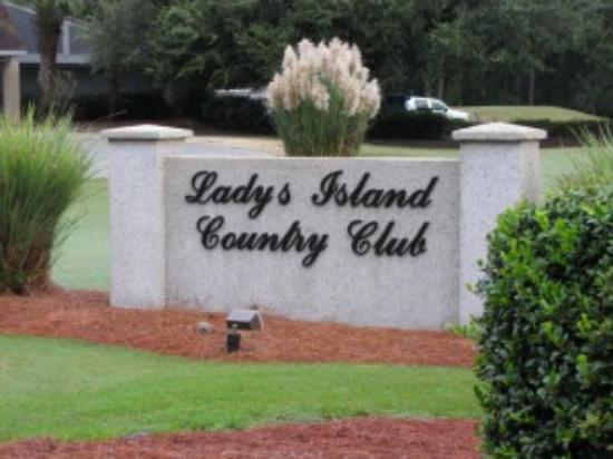 Lady's Island Country Club - Royal Pines Bar & Grill Photo