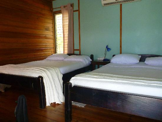 Isla Marisol Resort: inside of the room, only this and the bathroom