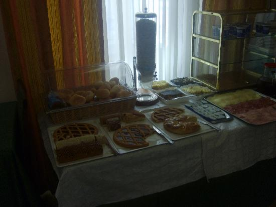 Hotel Fontana: breakfast time!