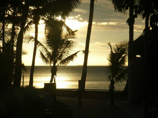 Sheraton Denarau Villas: Sunset from Sheraton Fiji Resort
