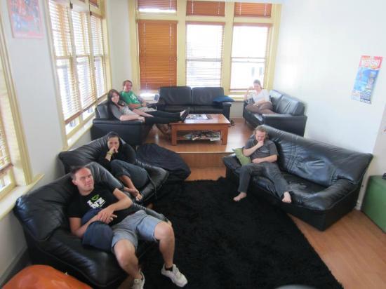نومادز أوكلاند بيكسبيكر: TV Lounge