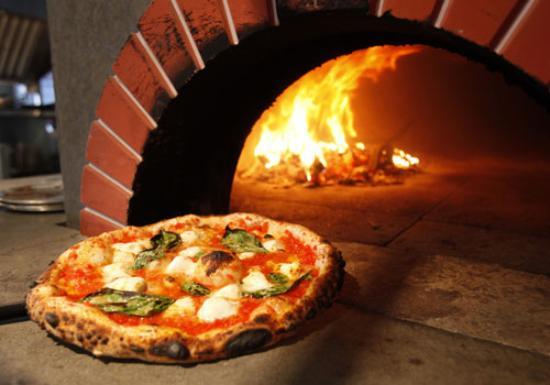 Wood fired pizza filetti picture of pizzeria prima for Pizza pizzeria