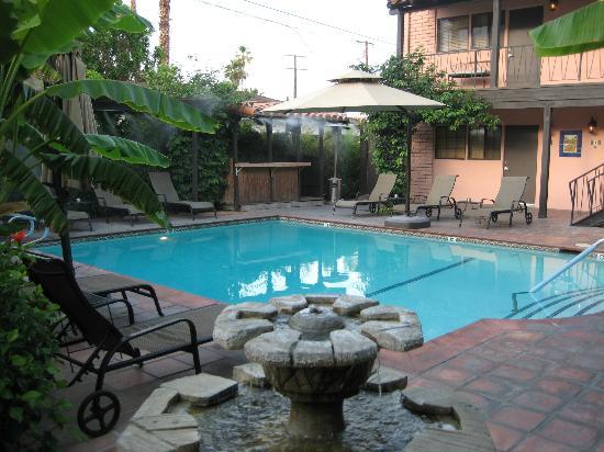 Hotel California: Refreshing pool