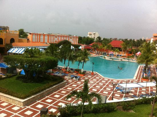 Hotel Cozumel and Resort: view from top floor pool view room