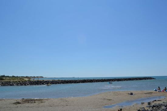 Hotel Restaurant Mucrina : Beach at Vias, France.  5 minute drive from Hotel.
