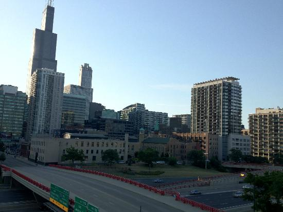 view from north side picture of crowne plaza chicago. Black Bedroom Furniture Sets. Home Design Ideas