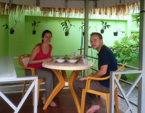 Battambang My Homestay: lovely breakfast in the gazebo