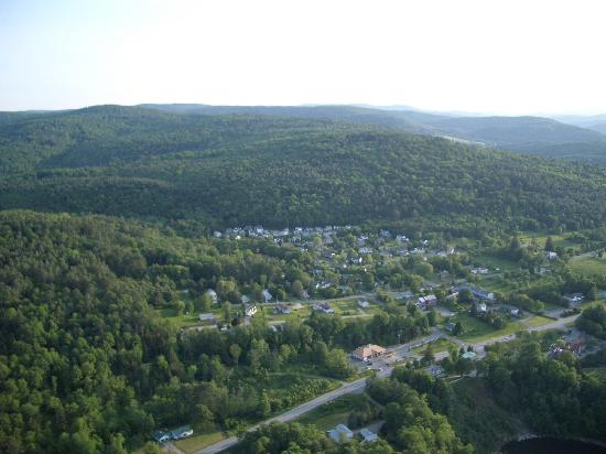 Balloons of Vermont - Private Flights: the town below