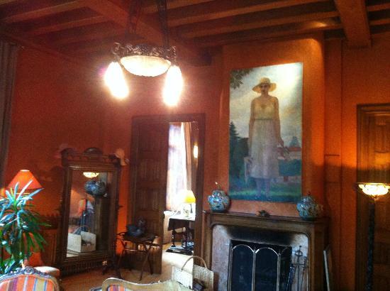 Chateau De Riell: Charming public lounge
