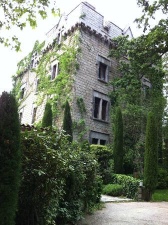 Chateau De Riell: It is a bit of a castle