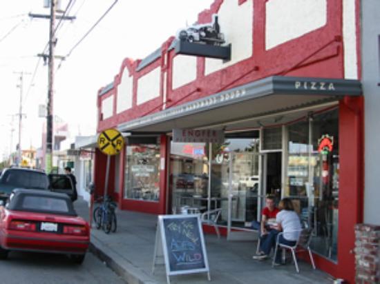 Engfer Pizza Works Santa Cruz Menu Prices Amp Restaurant
