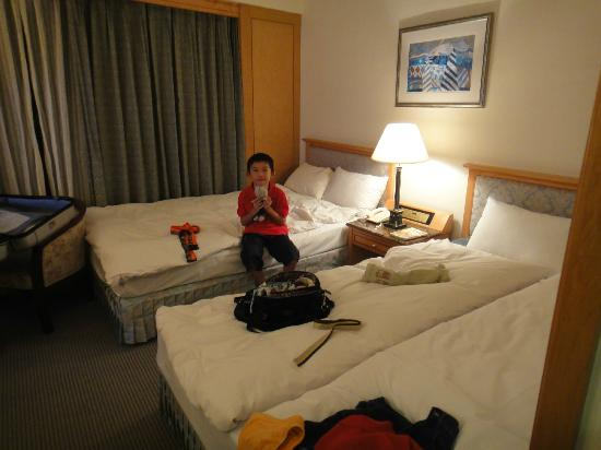 Yaward Hotel