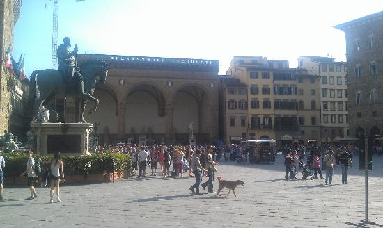 Relais Uffizi: Hotel From Across The Square
