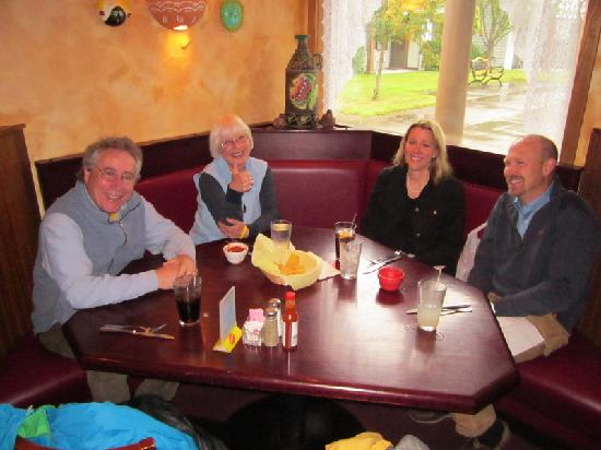 MI Casita Mexican Restaurant: Happy satisfied customers