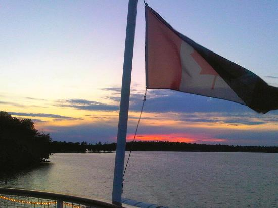 Muskoka Steamships: Beautiful sunset