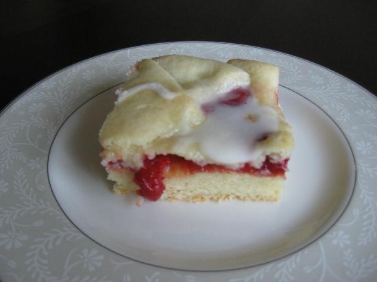 Garden Store & Café : Cherry slice, soooo good!
