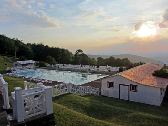 Historic Summit Inn: Pool