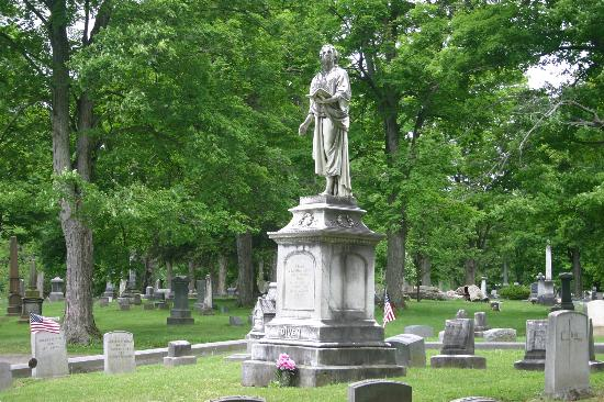 ‪Woodlawn Cemetery of Elmira‬
