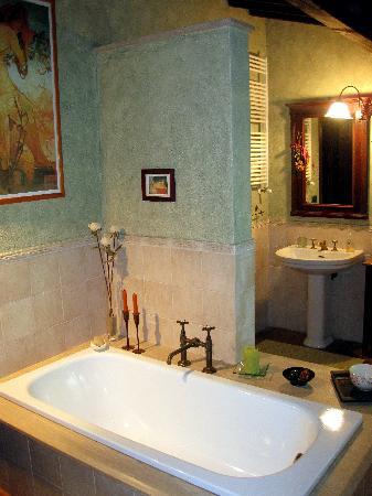 B&B Rossopeperoncino: Bath