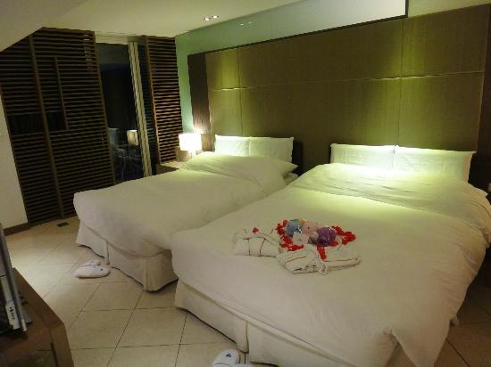 Palau Royal Resort: 套房雙人床