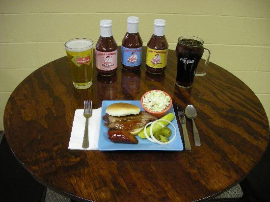 Ralph's Pink Flamingo BBQ : Brisket Sandwich with 1 sides