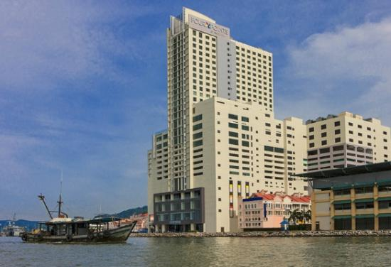 Four Points by Sheraton Sandakan : Hotel Exterior - Day Time