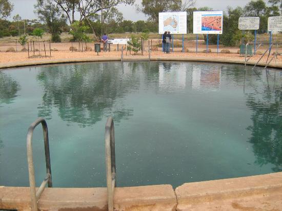 Hot pool at the artesion baths in lightning ridge - Pool flicken ohne flickzeug ...