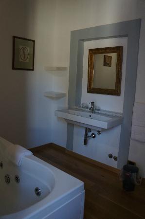 B&B Sant'Angelo 42: Bathroom