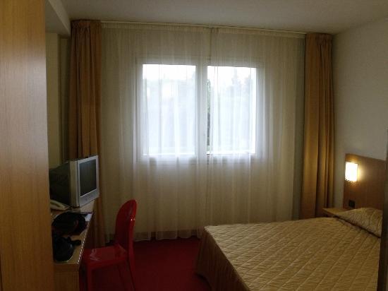 Anusca Palace Hotel Bologna: stanza matrimoniale