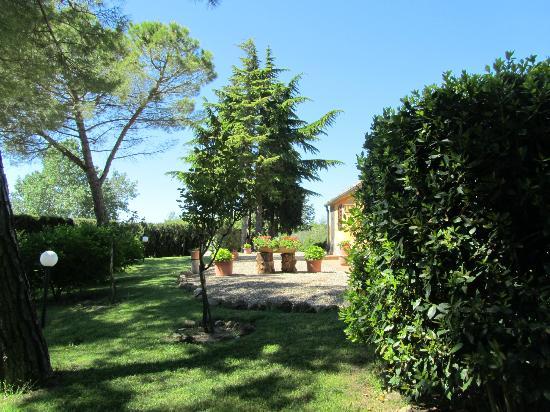 Casanova di Larniano: Garden
