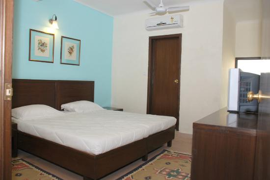 Rajdeep Hotel A C Room With Attached Bathroom
