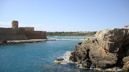 Dintorni: Le Castella a 12 km dall' Hotel Onda Bleu