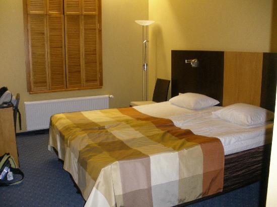Hanza Hotel : chambre
