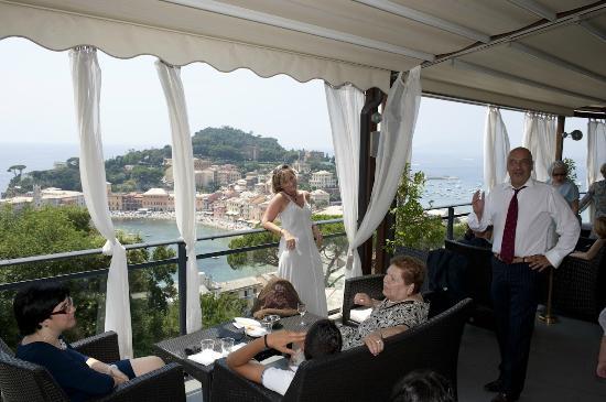 Aperitivo in terrazza - Picture of Vis a Vis Hotel, Sestri Levante ...