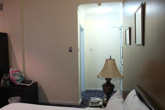 ‪‪Windsor Tower Hotel Bahrain‬: Our Room (605)