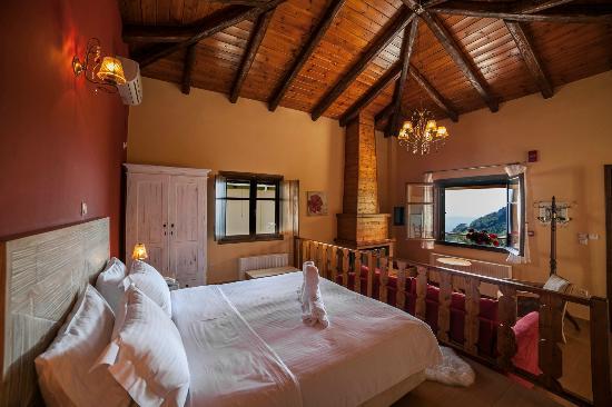 """Ilaeira Mountain Resort: House """"Keratakia"""""""