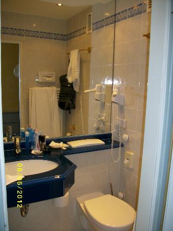 Hotel Wiking Sylt: Bad (Einzelzimmer)