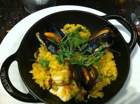 Grand Burstin Hotel: Seafood Paella at Rocksalt Restaurant