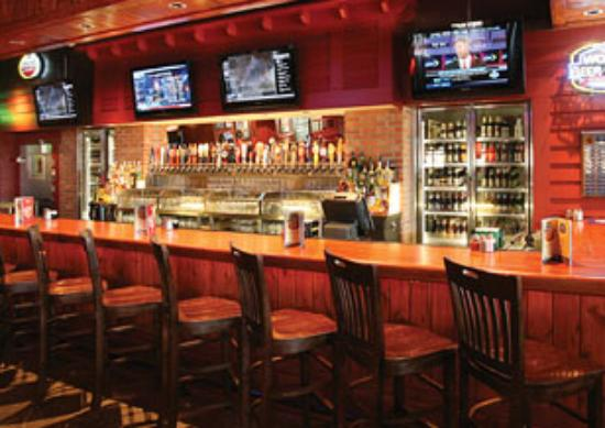 hotels near chicago pizza attractions vail
