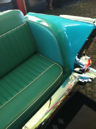 Mel's Diner: this 50s waiting room seat is pretty darn cute.