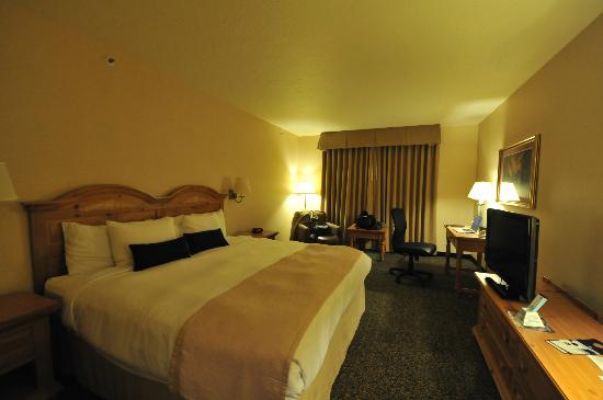Best Western Plus Grant Creek Inn : King size room