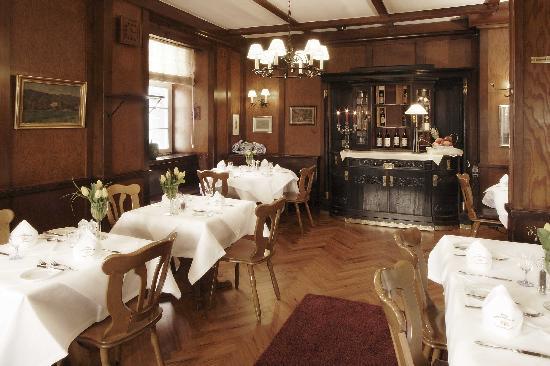 schwarzw lder hof freiburg restaurant bewertungen. Black Bedroom Furniture Sets. Home Design Ideas